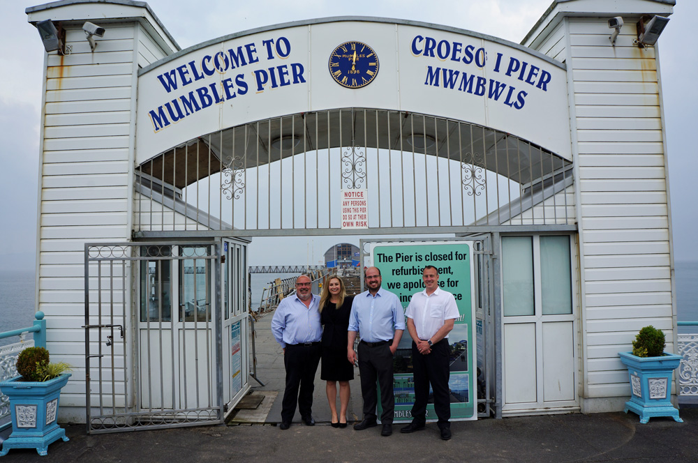 Photograph of the entrance to Mumbles Pier